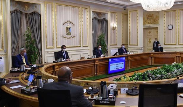 بدء اجتماع اللجنة العليا لإدارة أزمة كورونا برئاسة مدبولي