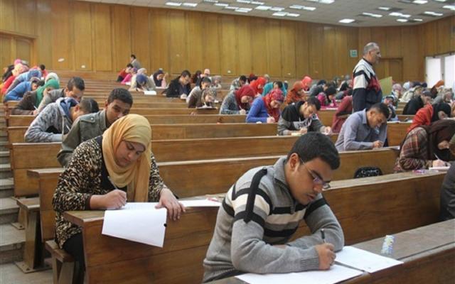 ما مصير امتحانات الجامعات بعد تصريحات وزيرة الصحة الصادمة؟.. مصدر يُجيب