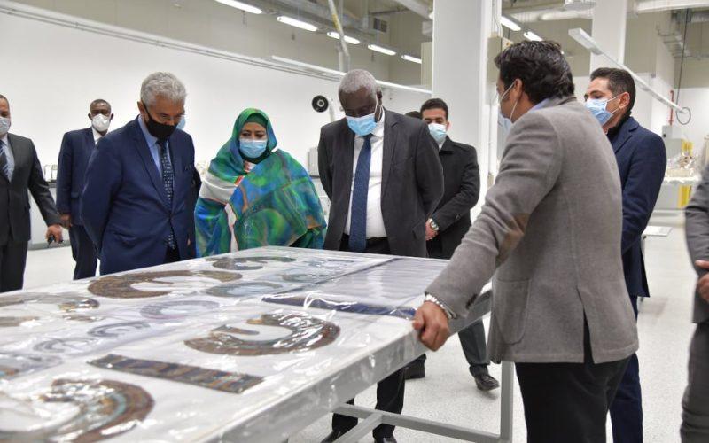 المتحف المصري الكبير يستقبل رئيس مفوضية الاتحاد الإفريقي