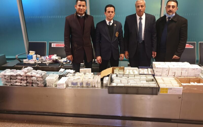 جمارك مطار القاهرة تضبط محاولتي تهريب كمية منالأدوية البشرية