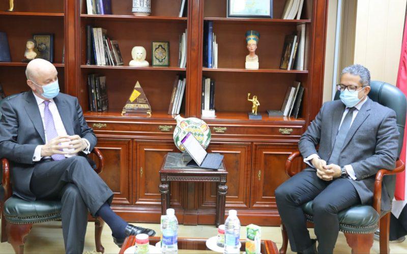 العناني يلتقي سفيري إسبانيا والفلبين بالقاهرة لمناقشة سبل التعاون المشترك في قطاع السياحة